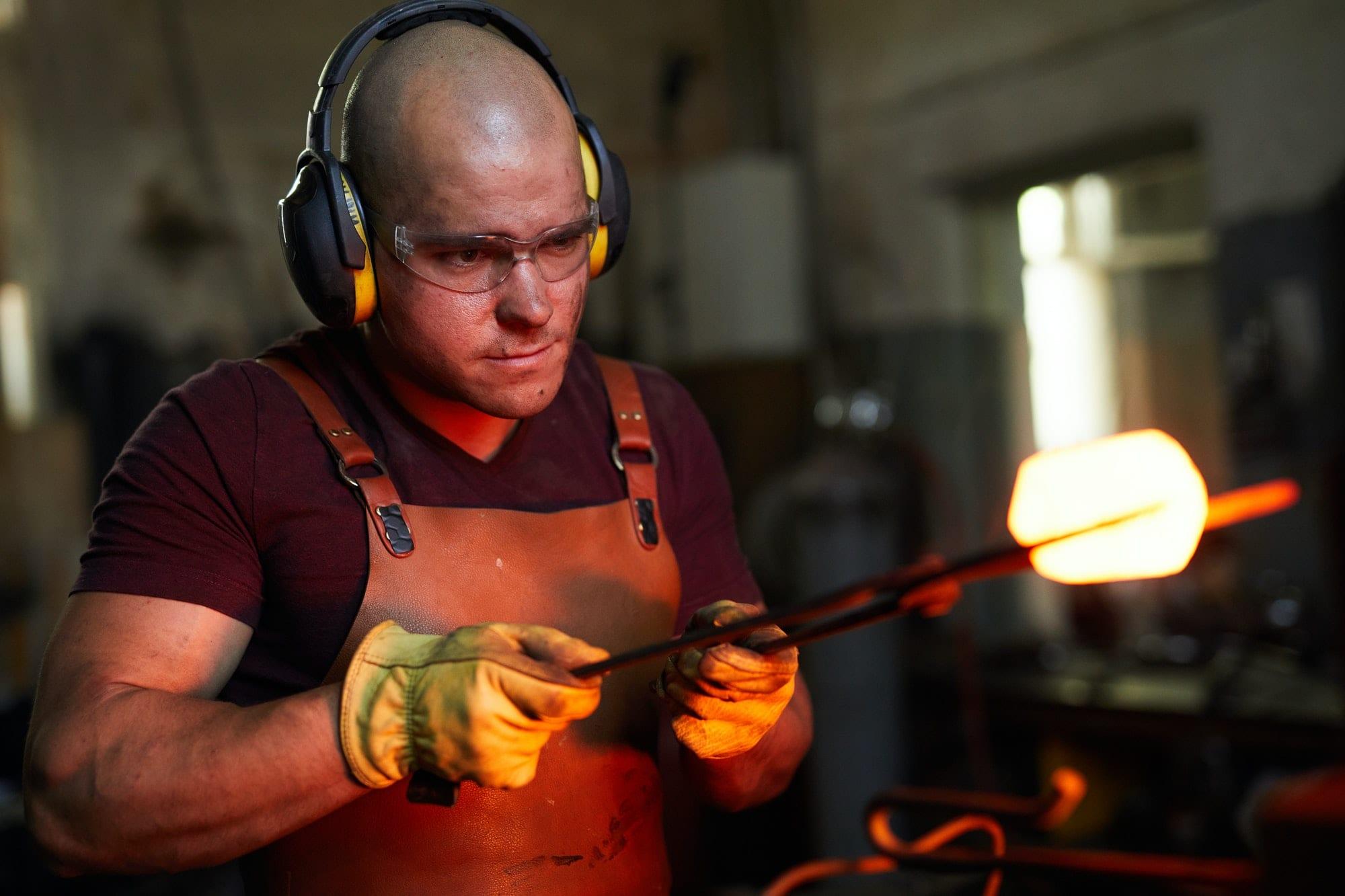 Analyzing shape of heated metal piece