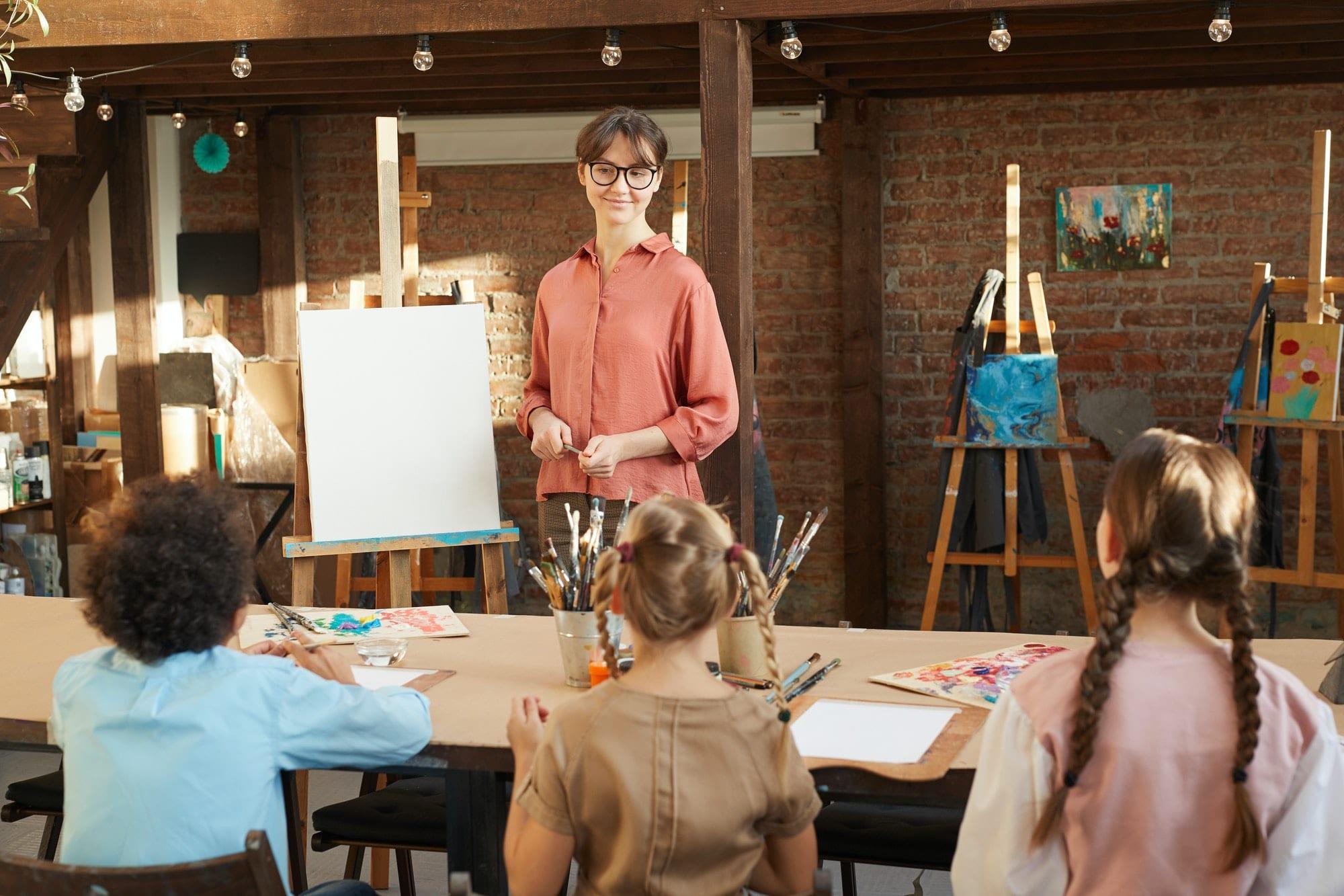 Art lesson in art studio