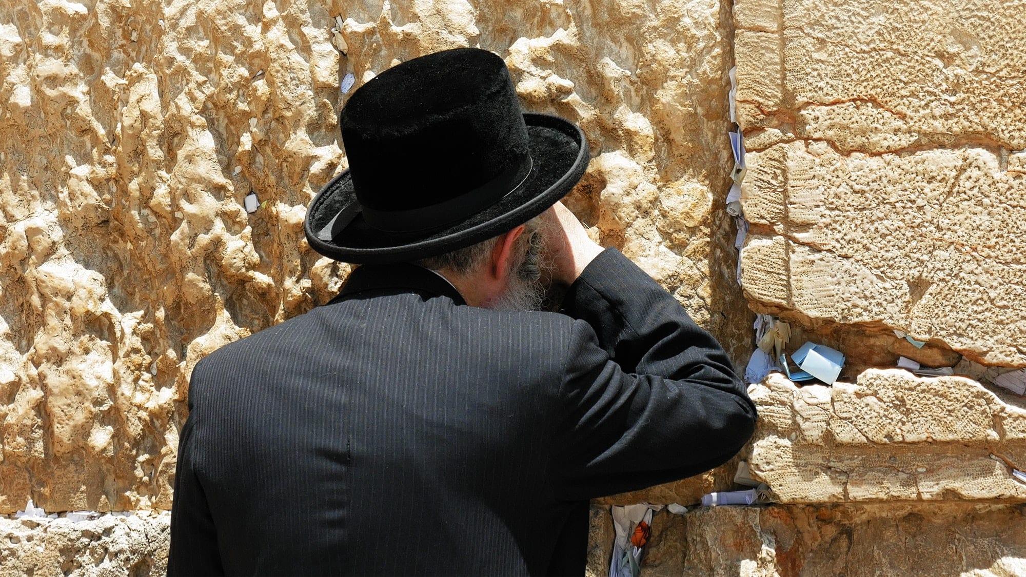 Jew prays at the Western Wall in Jerusalem